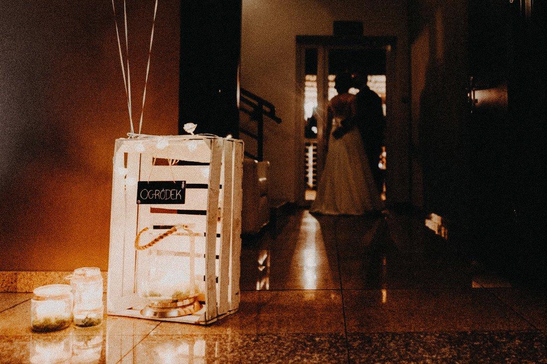 083 fotograf wesele Hotel Borowina