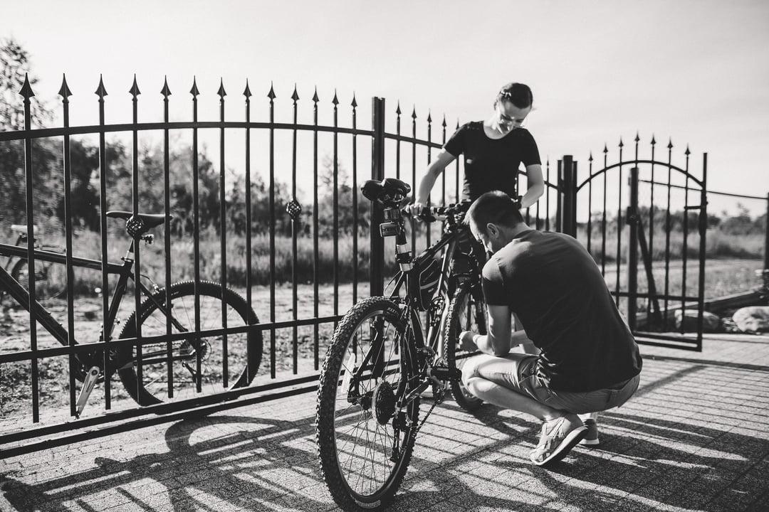 026 wiosenna sesja narzeczenska rower