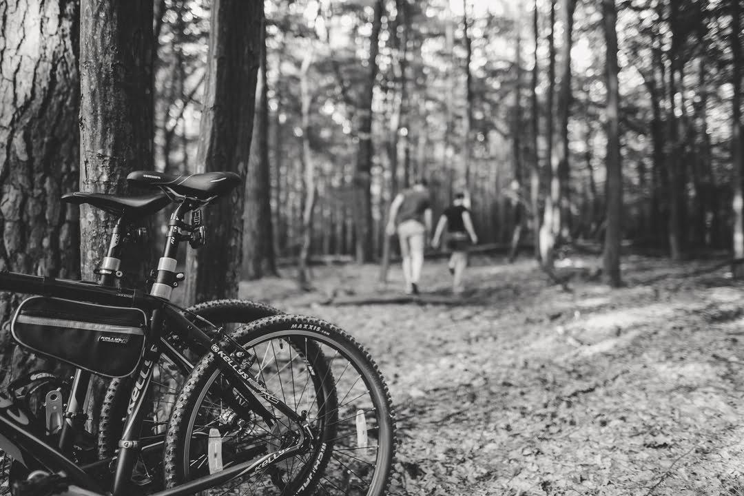 034 wiosenna sesja narzeczenska rower