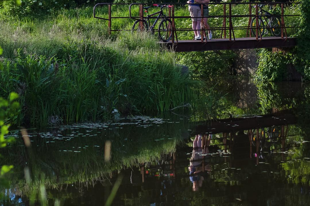 040 wiosenna sesja narzeczenska rower
