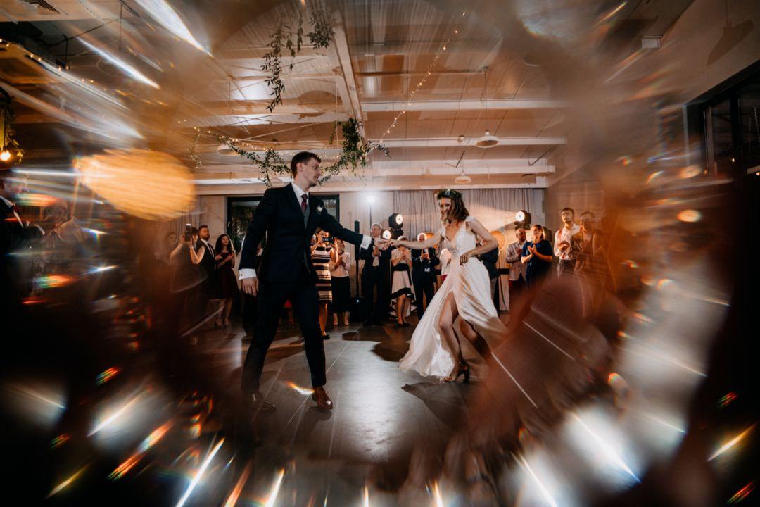 28 Pierwszy taniec pryzmat