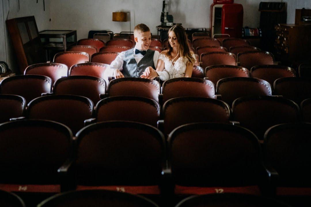 41 Sesja slubna w starym kinie