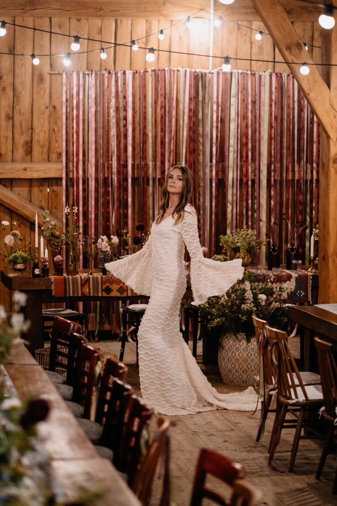 54 Suknia ślubna boho